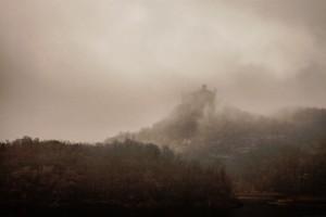 castle-dark-ages-fog-1331